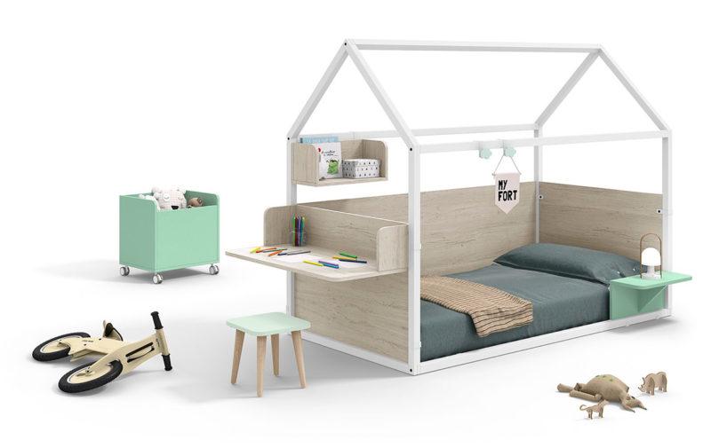 Cama casita Montessori para habitación infantil con escritorio