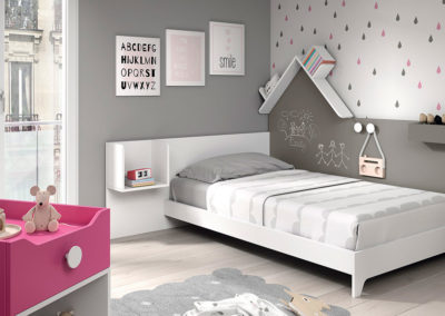 Cuna convertible en cama para dormitorio infantil