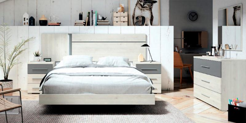 Dormitorio de matrimonio de madera color blanco con mesitas y sinfonier