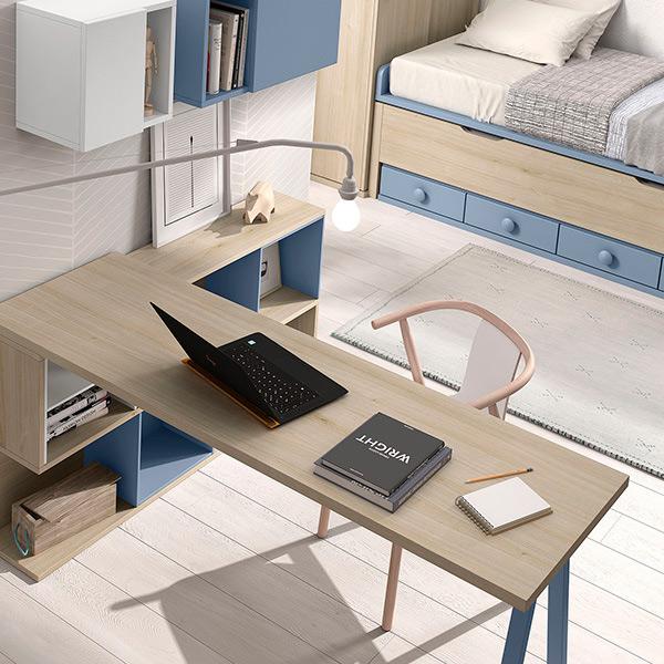 Dormitorio infantil niño en madera combinado con azul con escritorio