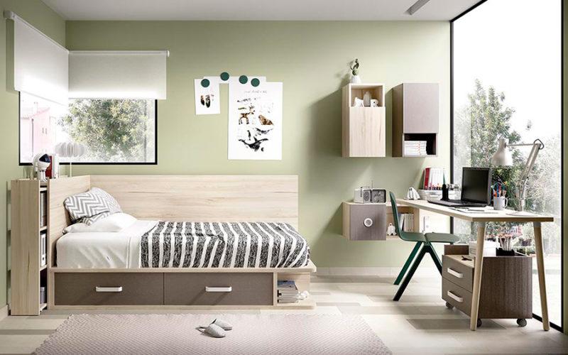 Dormitorio juvenil pequeño con cama, escritorio y estanterías en madera para espacios reducidos