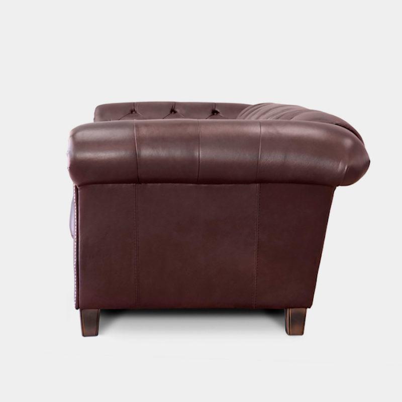 Sofá Chester estilo clásico en piel marrón